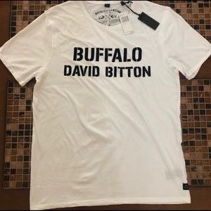 NWT Buffalo Tee Large